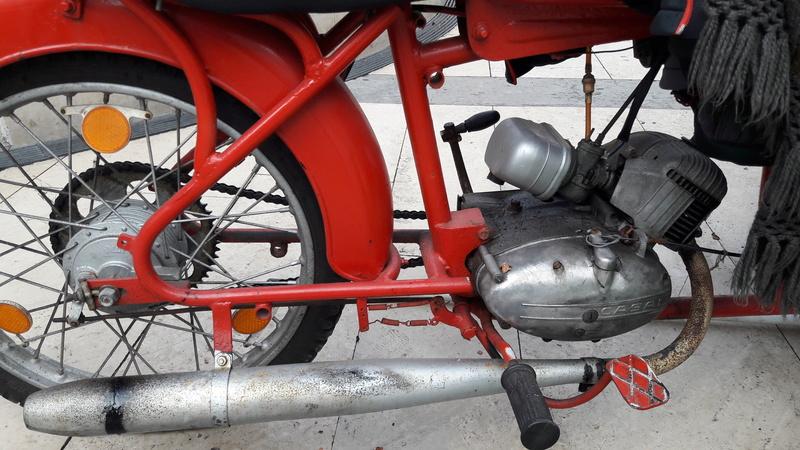 [Oldies] Le Portugal et ces cyclomoteurs 50cc 20161213
