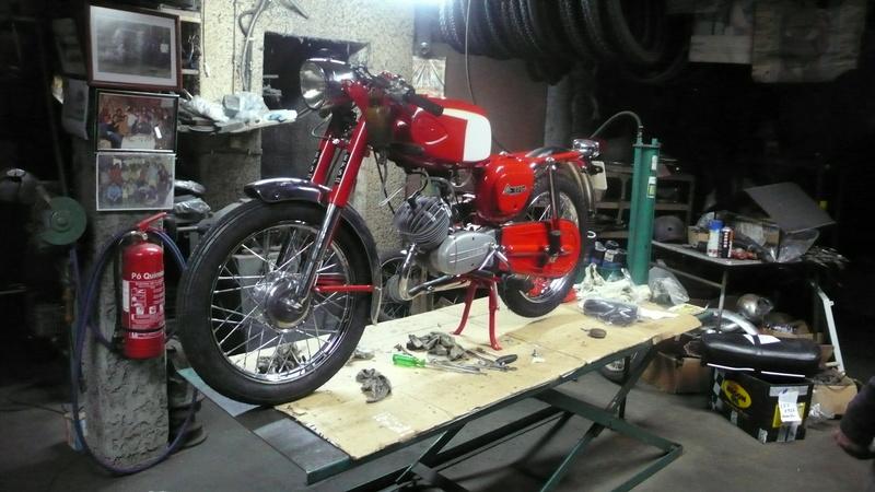 [Oldies] Le Portugal et ces cyclomoteurs 50cc P1110610