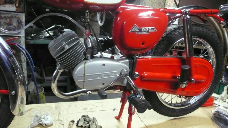 [Oldies] Le Portugal et ces cyclomoteurs 50cc P1110611