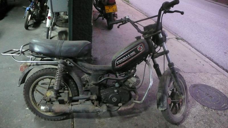 [Oldies] Le Portugal et ces cyclomoteurs 50cc P1110612