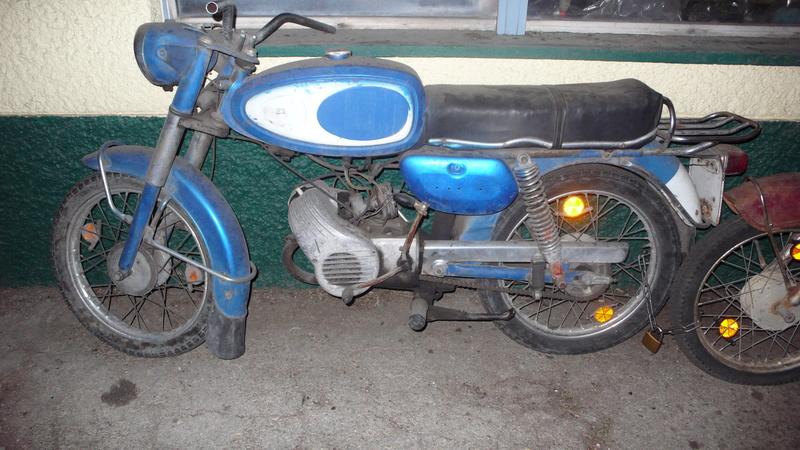 [Oldies] Le Portugal et ces cyclomoteurs 50cc P1110614