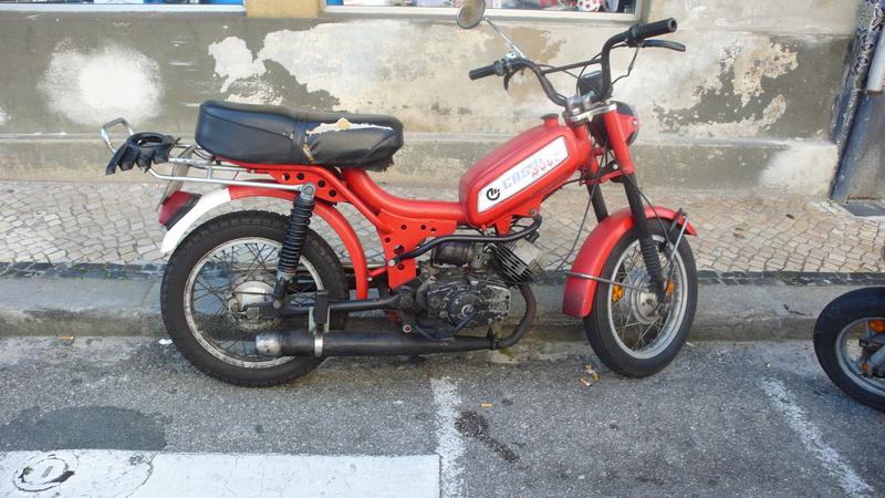 [Oldies] Le Portugal et ces cyclomoteurs 50cc P1110615
