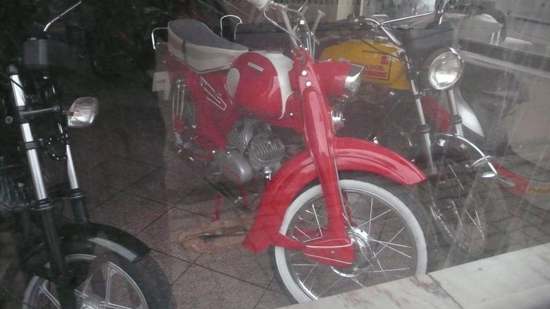 [Oldies] Le Portugal et ces cyclomoteurs 50cc P1110616