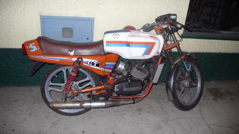 [Oldies] Le Portugal et ces cyclomoteurs 50cc P1110623