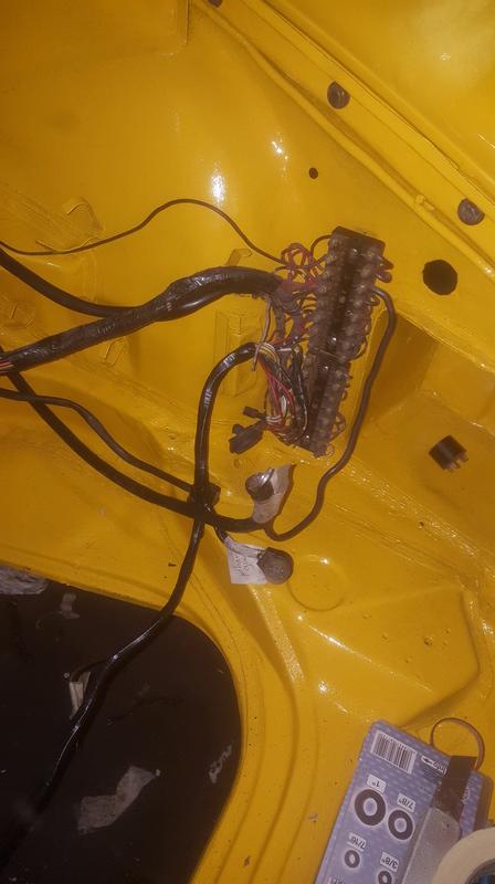 coup de jeune pour une 911T targa de 1969 - Page 3 20161224