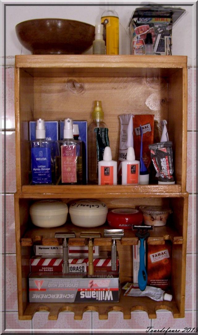 Photos de votre armoire spéciale rasage (ou de la partie réservée au rasage) - Page 3 Photo139