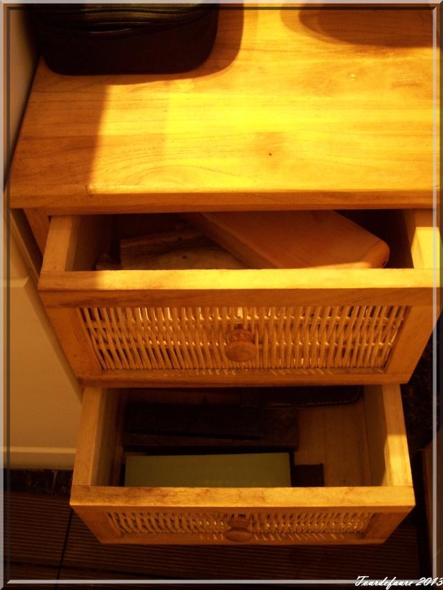 Photos de votre armoire spéciale rasage (ou de la partie réservée au rasage) Photo142