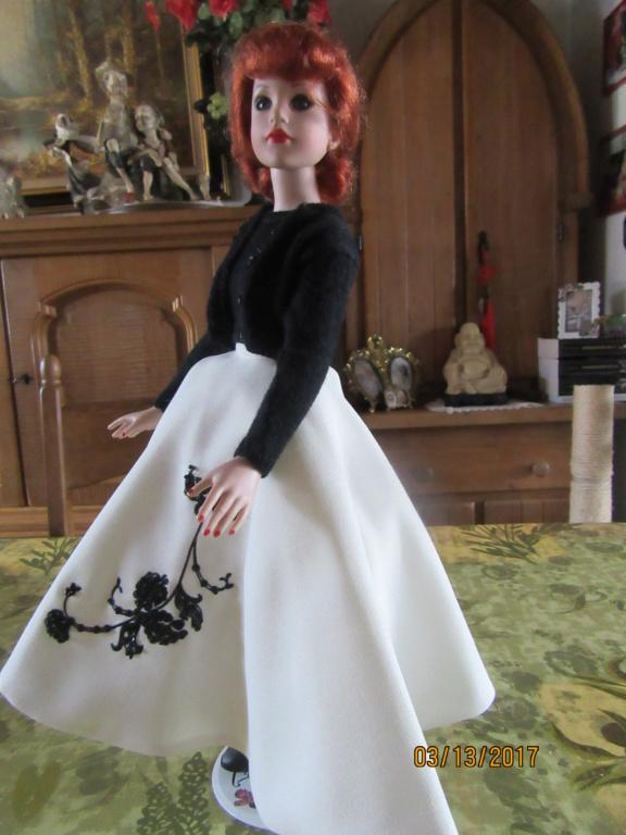 Kitty Collier.....le défilé de Miss Kitty Img_1122