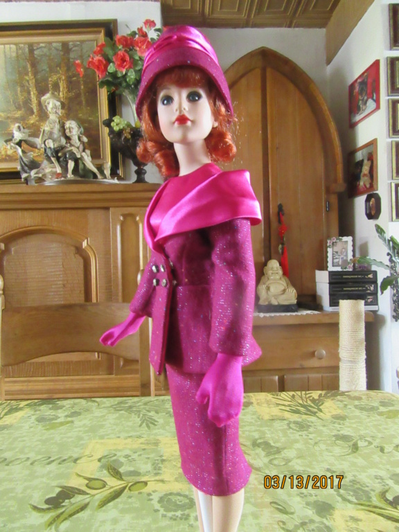 Kitty Collier.....le défilé de Miss Kitty Img_1126
