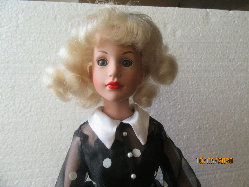 Kitty Collier.....le défilé de Miss Kitty Img_4555
