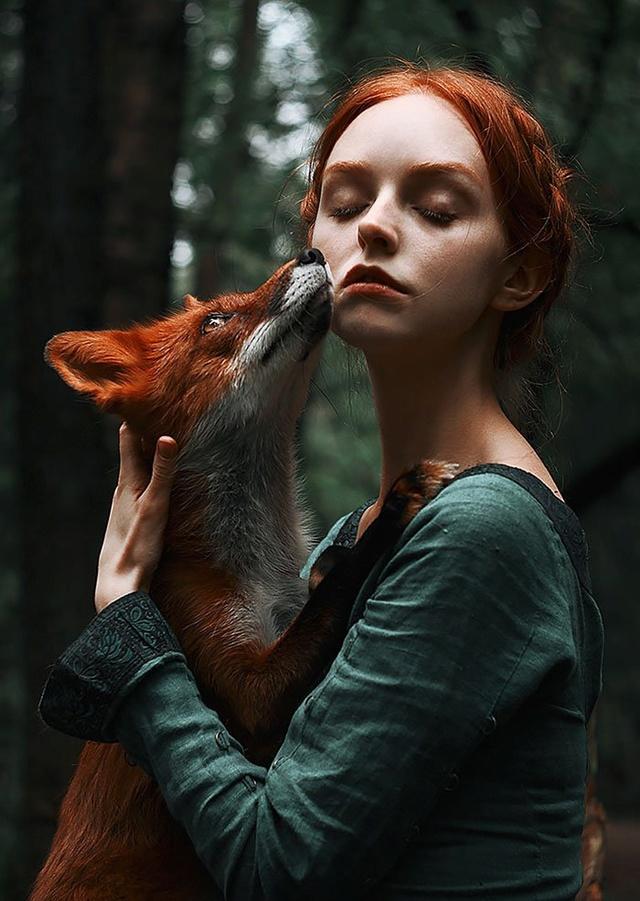 Elle créer des clichés sublimes avec des renards... 411