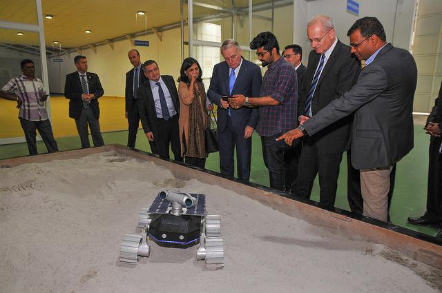 Programme spatial indien 32102810