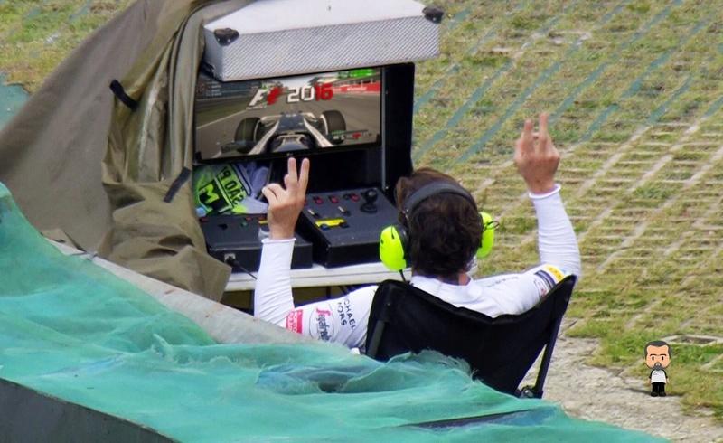 Les images insolites de la F1 - Page 3 Cxamtm10