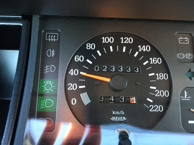 R11 Turbo ph2 1988 white ....23.000km Image12