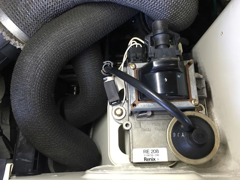 R11 Turbo ph2 1988 white ....23.000km Image16