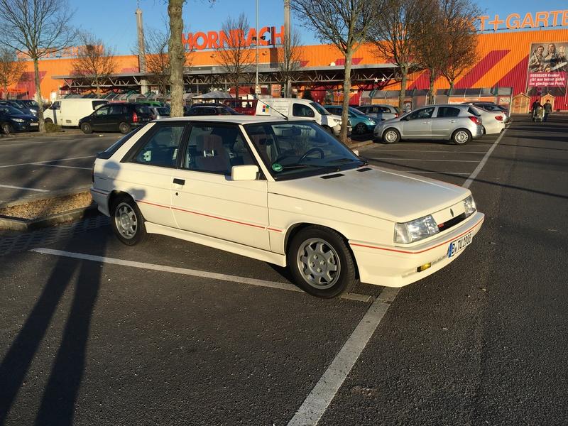 R11 Turbo ph2 1988 white ....23.000km Image23