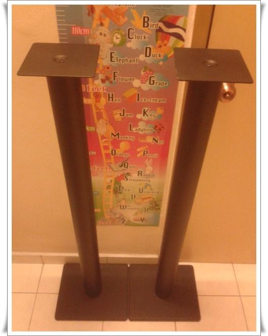 Solid Speaker Stand Speake10