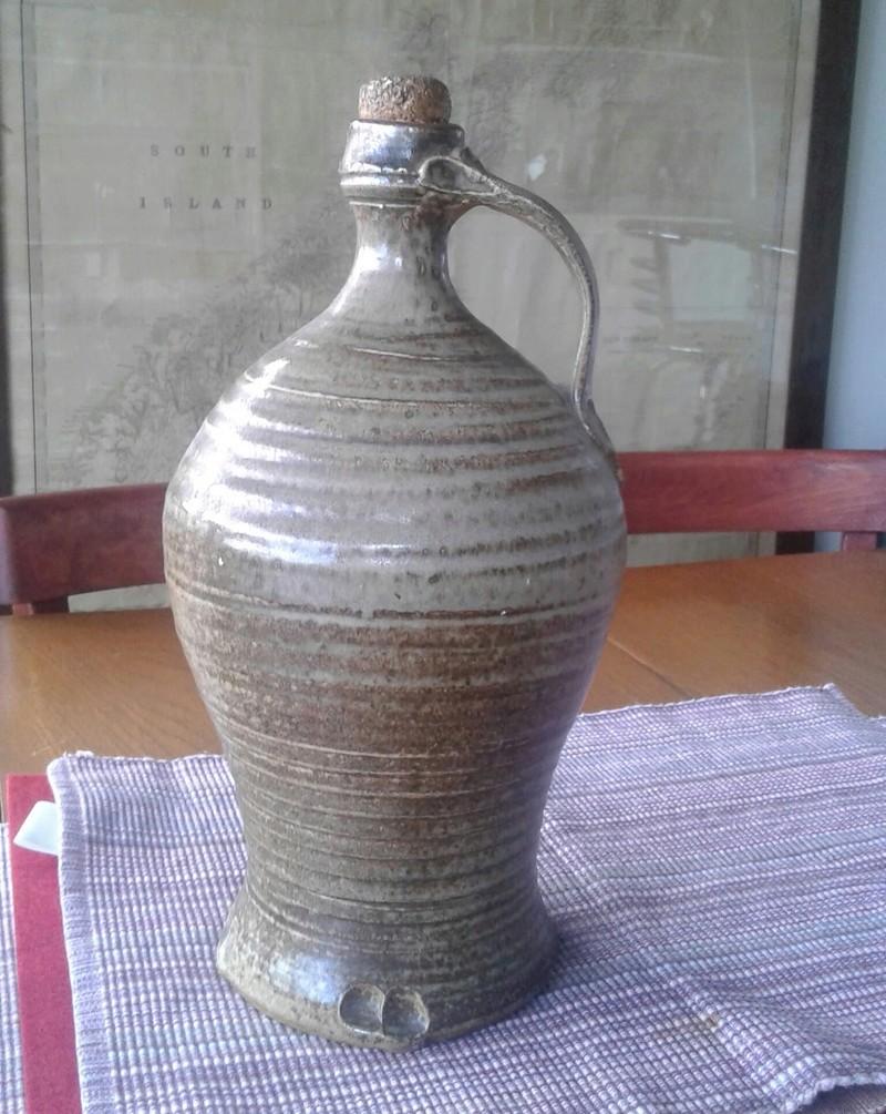 Large bottle/jug with distinctive handle finish 20170121