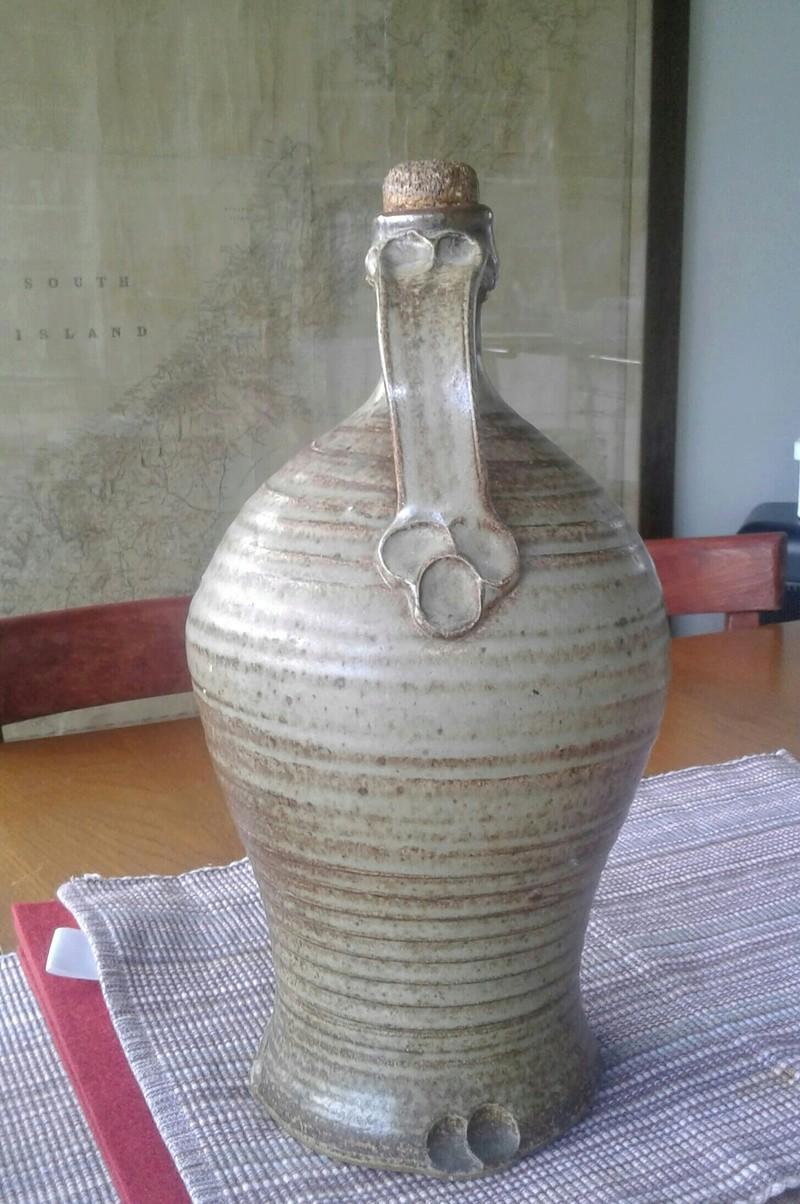 Large bottle/jug with distinctive handle finish 20170122