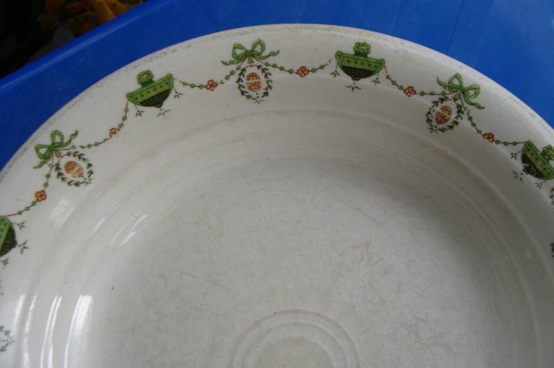 Early Paris tableware Ambrico pattern  Dsc01312