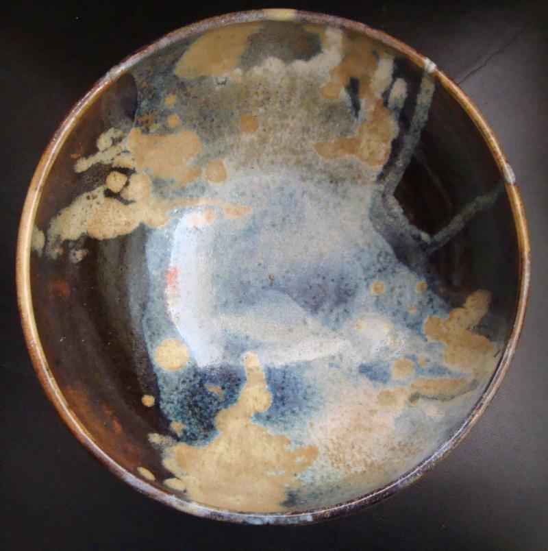 Gorgeous Bowl, unknown mark - is Hugh Prosser Dsc01322