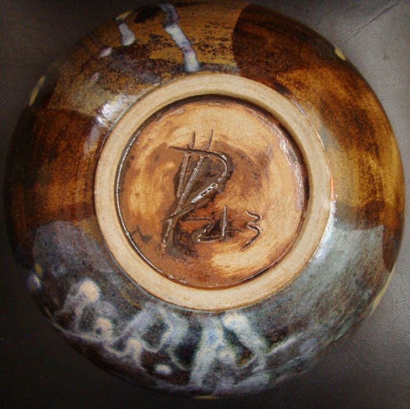 Gorgeous Bowl, unknown mark - Hugh Prosser Dsc01323