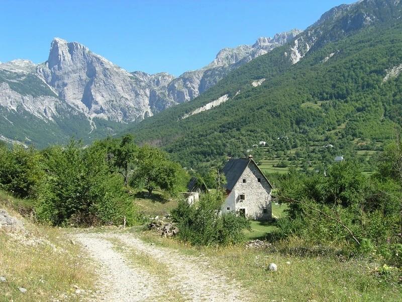 Parc national de Thethi en Albanie.  32020011