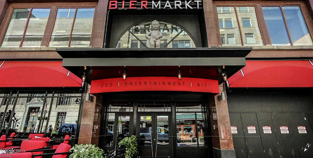 Maneken-Pis au Bier Markt à Ottawa - Canada !! Bier_m10