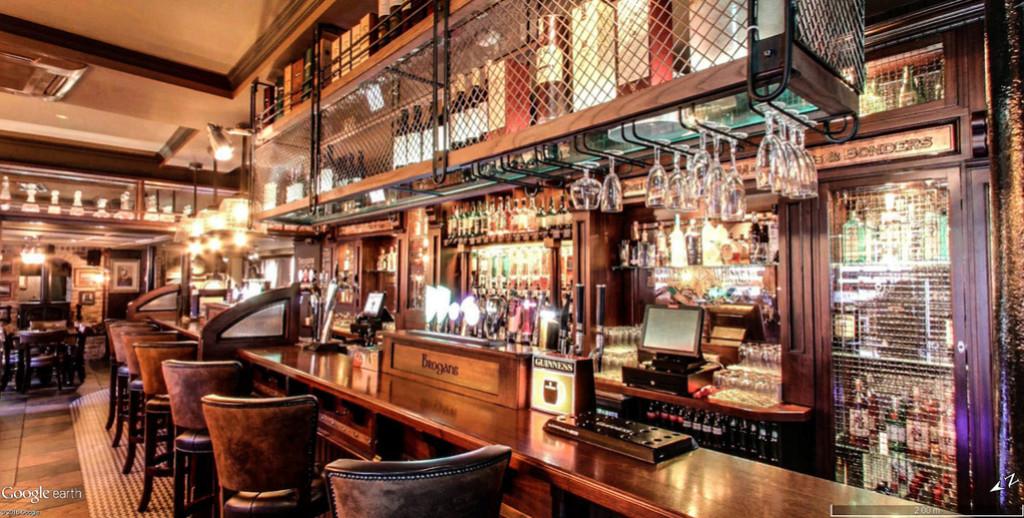 STREET VIEW : les pubs, une invitation à entrer... Brogan13
