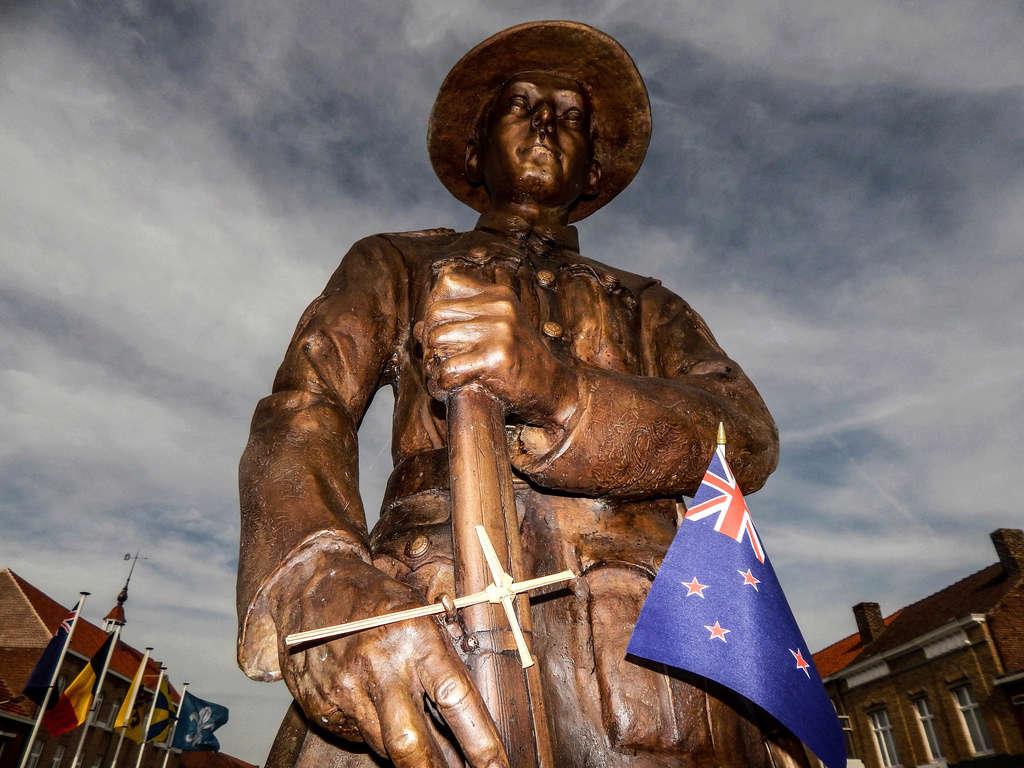 [Panoramio de Tout sur Google Earth] Soldat néo-zélandais à Messines - De Jan Dieusaert Dscn4010