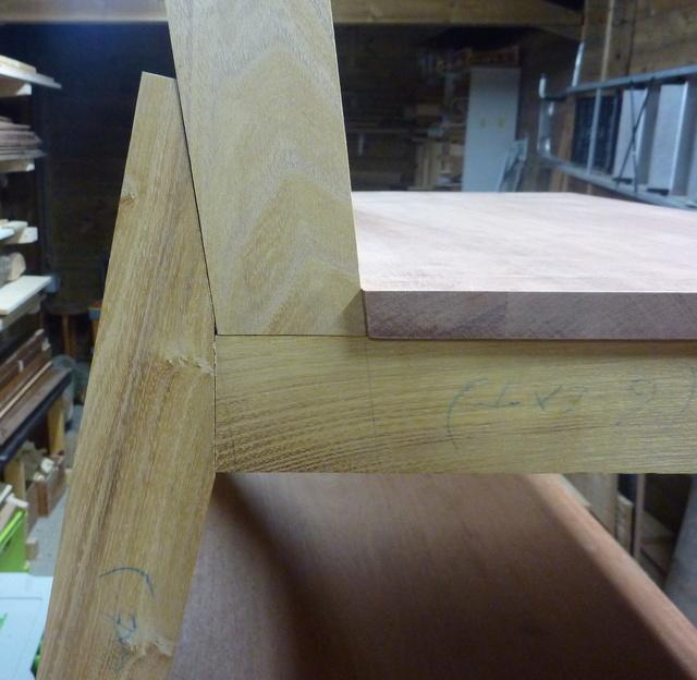 Chaise porte-serviette + tiroir Chaise11