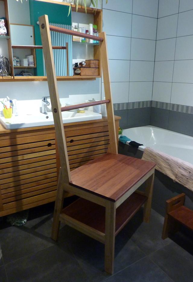 Chaise porte-serviette + tiroir - Page 2 Meuble10