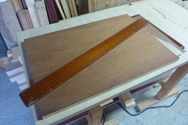 Chaise porte-serviette + tiroir Platea11