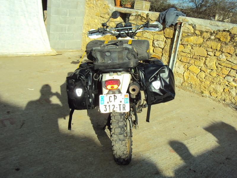 Qu'avez vous fait à votre moto aujourd'hui ? - Page 6 Dsc03518