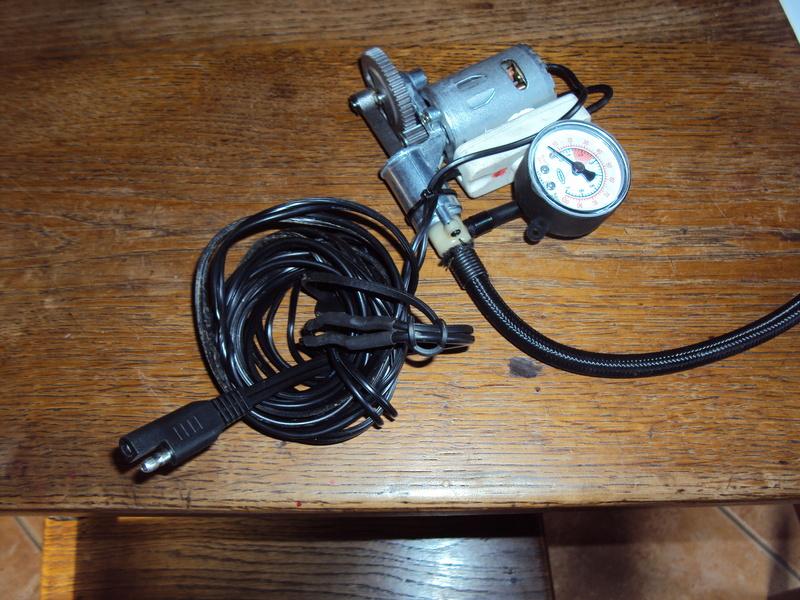 Mini compresseur à 12 € sur Amazon - Page 2 Dsc03543