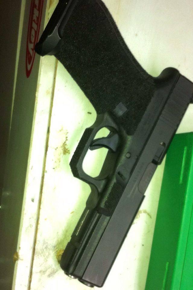 mon premier stippling avec quelques petite modification au frame  Glock_10