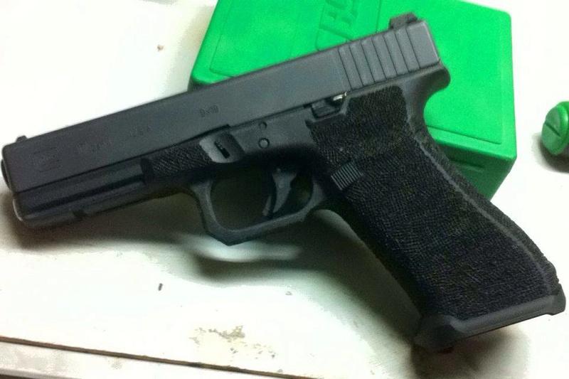mon premier stippling avec quelques petite modification au frame  Glock_11