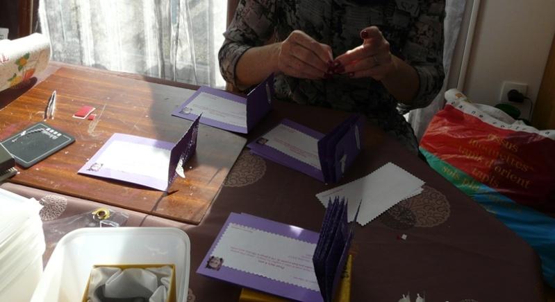 cartes - mes cartes d'invitation ( après midi scrap avec Laury) P1050410