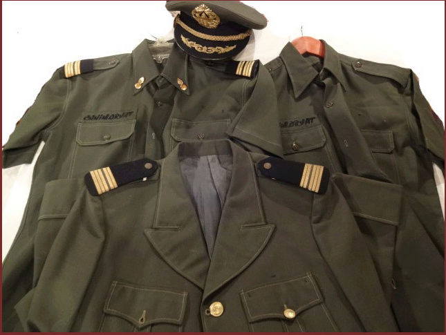 uniformes cambodgiens  - Page 2 Lon_no10