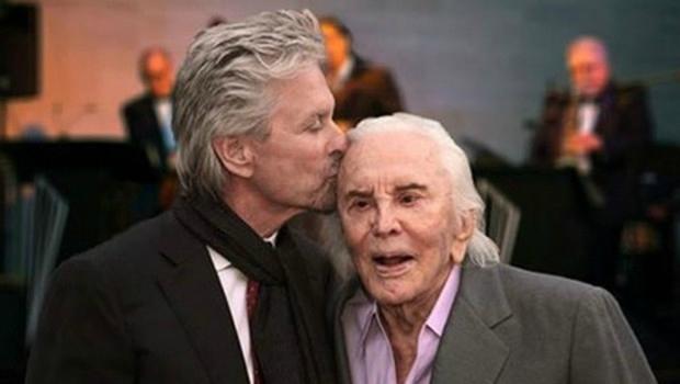 L'acteur américain légendaire Kirk Douglas fête ses 100 ans 10801610