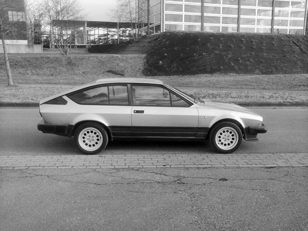 Je vends ma GTV6 de 1987 140000km... 1010