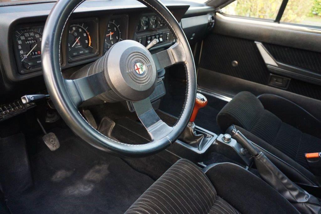 Je vends ma GTV6 de 1987 140000km... 1310