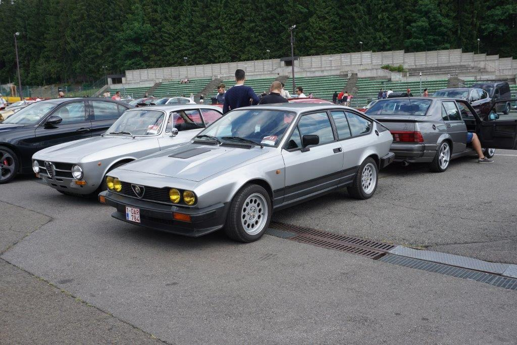 Je vends ma GTV6 de 1987 140000km... A10
