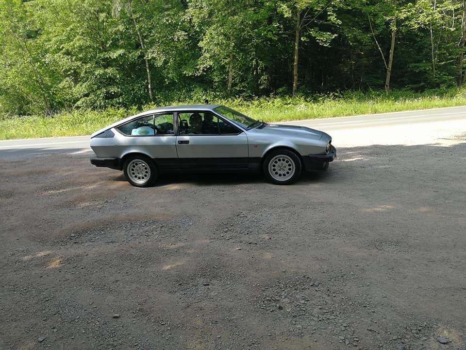 Je vends ma GTV6 de 1987 140000km... B10