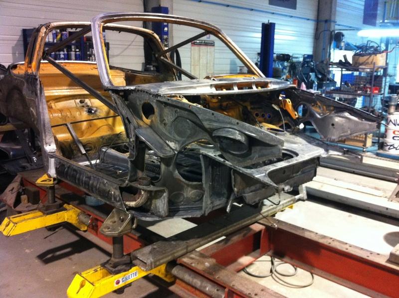 Photos de Porsche à restaurer - Page 38 Img_1411