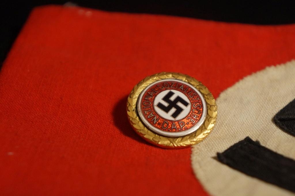 Authentification pin's NSDAP en or Dsc05136