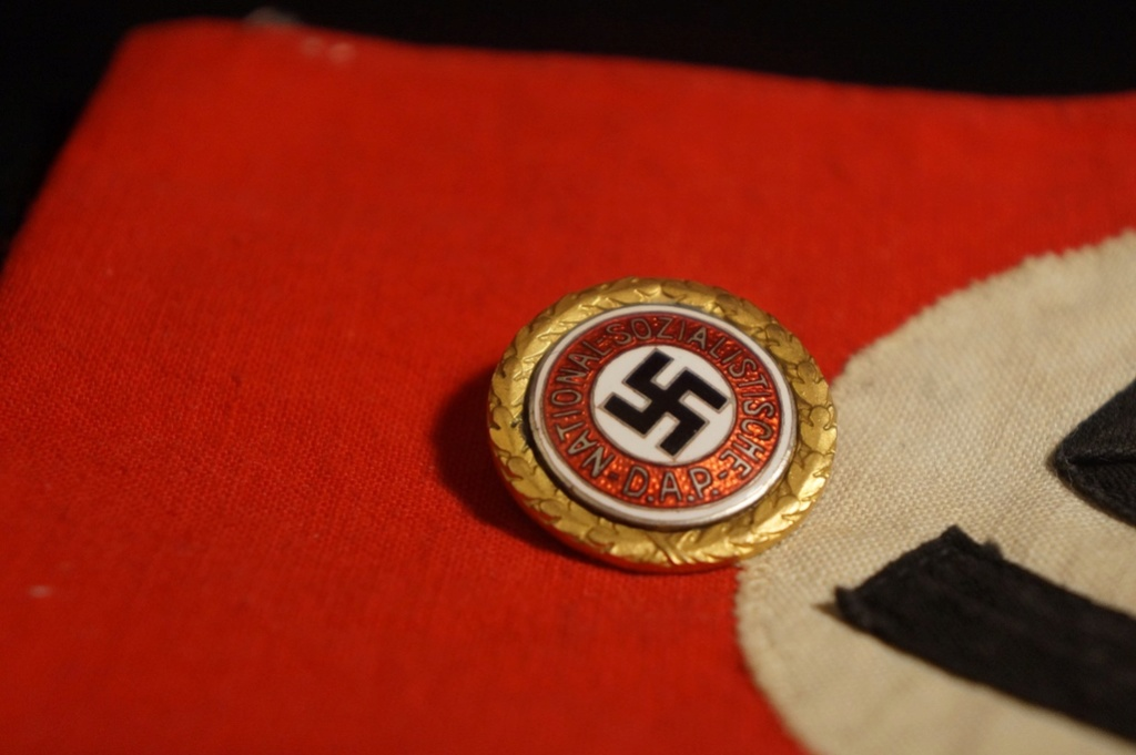 Insigne NSDAP Dsc05136