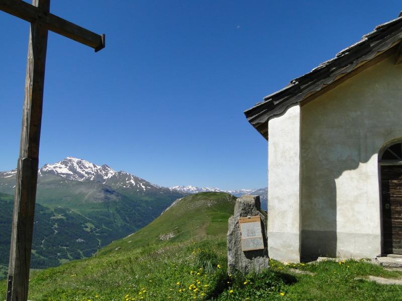 Lanslevillard (Le Collet) - la Pierre aux Pieds Dsc04417