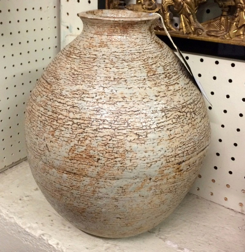 Large shino vase or tsubo - Triangle mark? Img_1011