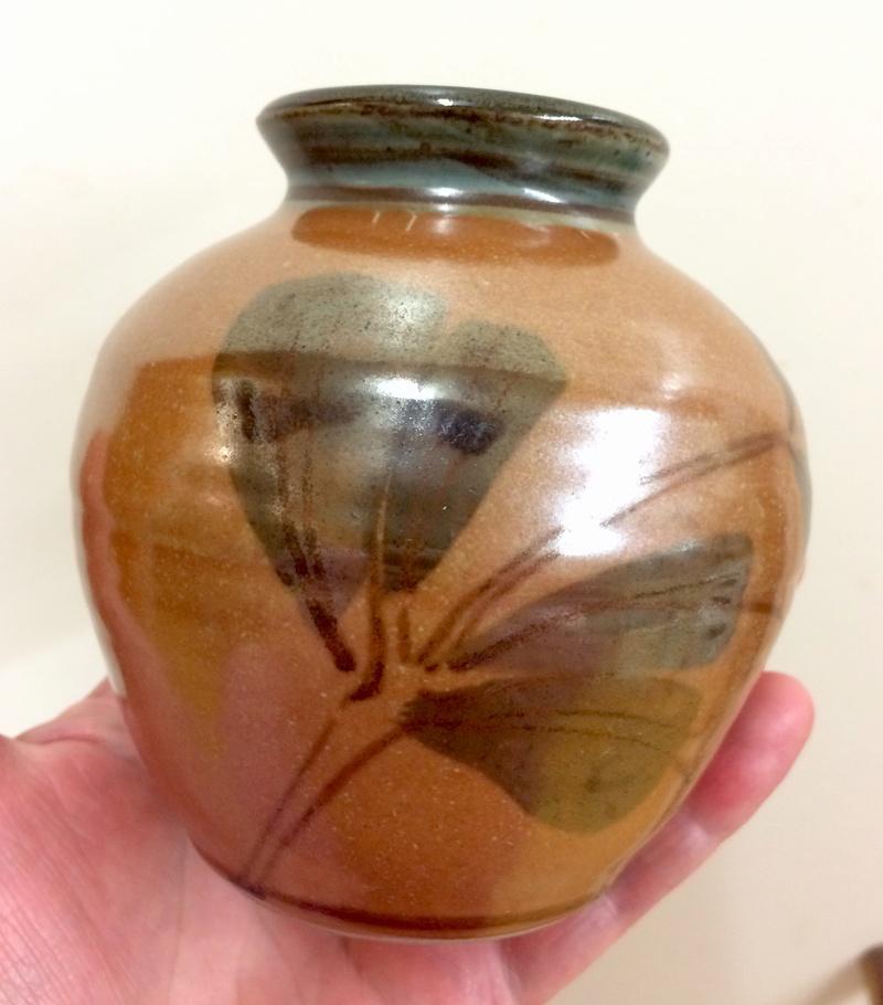 Small vase with kaki glaze - Eeles?  Img_4919
